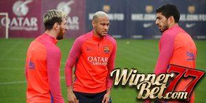 Neymar Pasang Muka Garam saat Dijahili Suarez