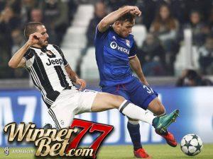 Hasil Pertandingan Juventus vs Lyon: Skor 1-1